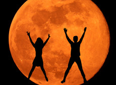 How to Navigate the Full Moon in Aries