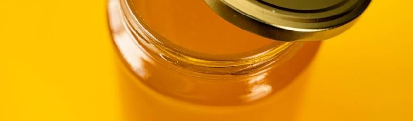 honey-in-mason-jar