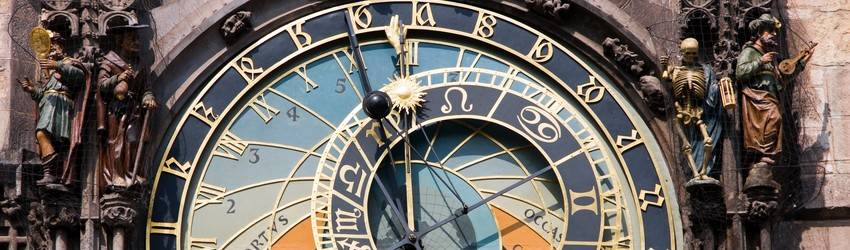 An astrology clock showing that it is Leo season and almost Virgo season in August.