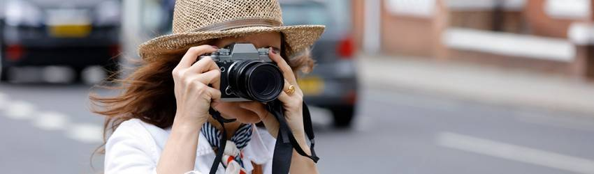 woman-taking-photos
